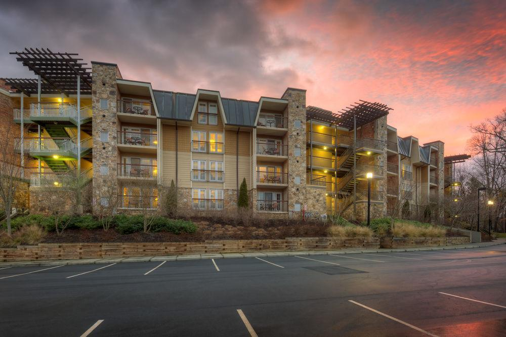 The residences at biltmore pet policy for Biltmore cabins asheville nc