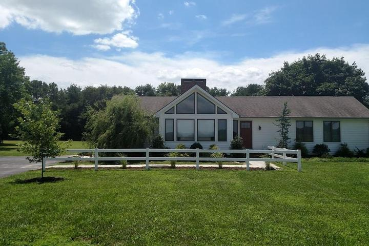 Pet Friendly Eastern Shore Country Home