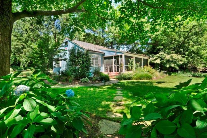 Pet Friendly Southold Airbnb Rentals