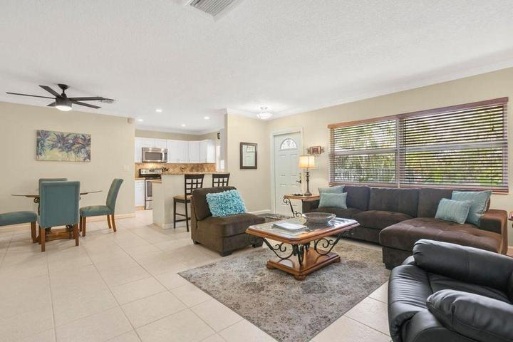 Pet Friendly Highland Beach Villa - Steps from the Beach