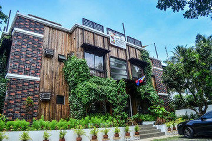 Pet Friendly Hotels In Tagaytay City Ph Bring Fido Pet Policies