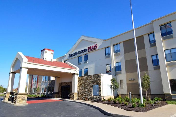 Pet Friendly Best Western Plus Lee's Summit Hotel