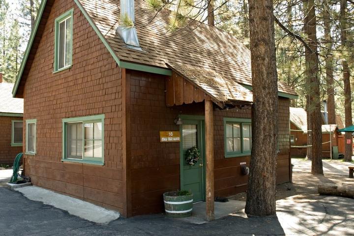 Pet Friendly Golden Bear Cottages