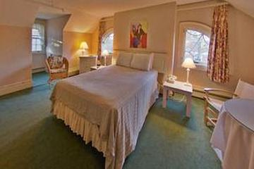Pet Friendly The Governor's Inn