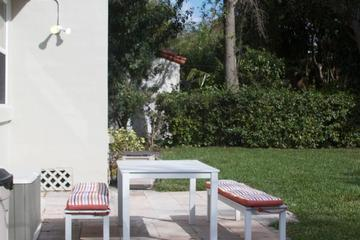 Pet Friendly Art Deco Charm with Spacious Yard
