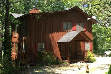 Pet Friendly Vacation Rentals in Highlands, NC - BringFido