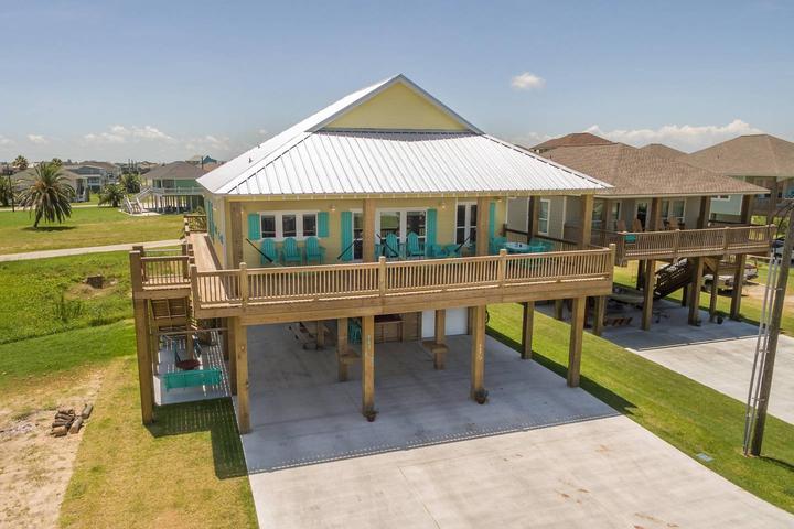 Fantastic Pet Friendly Vacation Rentals In Bolivar Peninsula Tx Download Free Architecture Designs Viewormadebymaigaardcom
