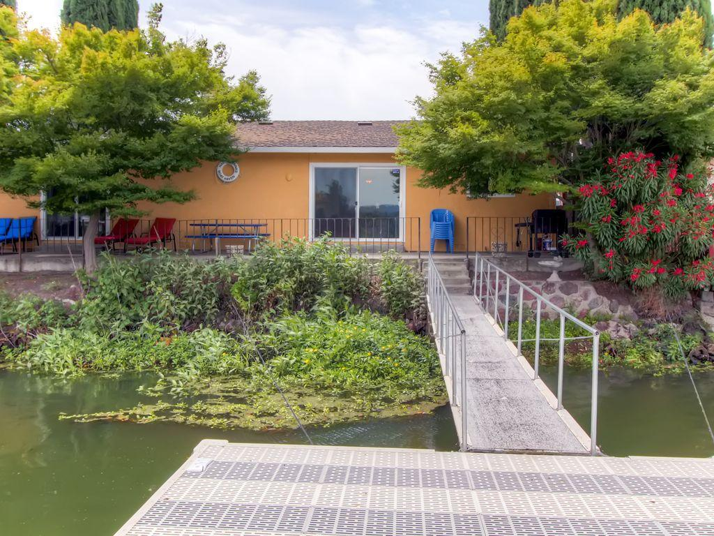 clearlake oaks chatrooms For sale: 2 bed, 2 bath ∙ 1449 sq ft ∙ 11120 pingree rd, clearlake oaks, ca 95423 ∙ $529,000 ∙ mls# 21823440 ∙ top of the world wow not many places have views like this one, it is truly spectacu.