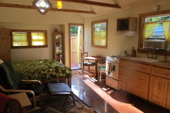 Pet Friendly Oak Grove Airbnb Rentals