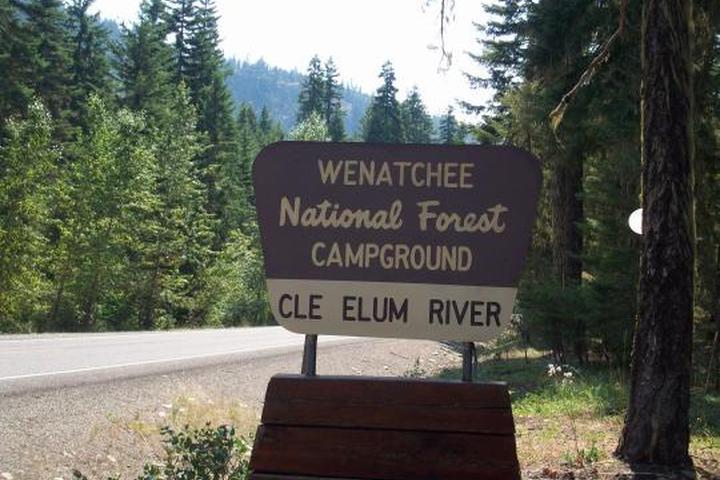 Pet Friendly Cle Elum River Group Site