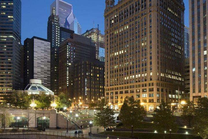 Hotels In Chicago >> Pet Friendly Hotels In Chicago Il Bring Fido