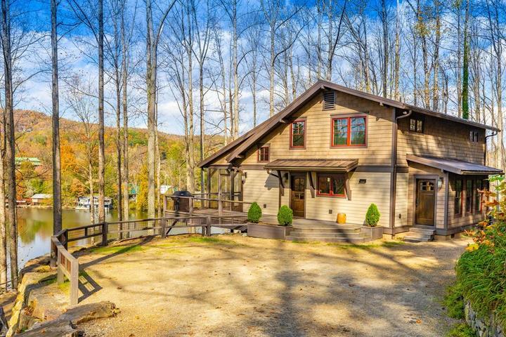 Pet Friendly Apple Hill Lodge