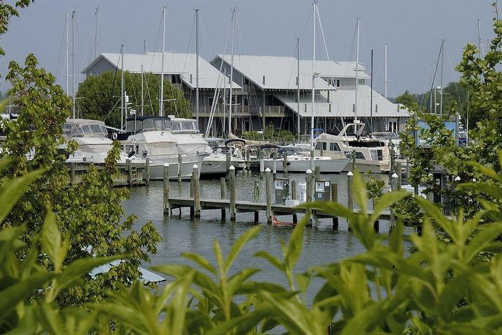 Pet Friendly Knapps Narrows Marina & Inn