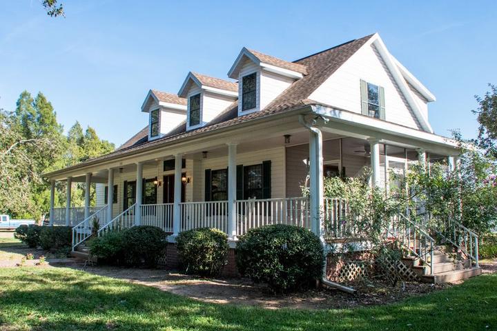 Pet Friendly Home on a 10-Acre Orange Grove