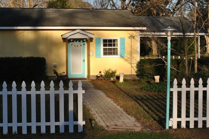 Pet Friendly New Bern Airbnb Rentals