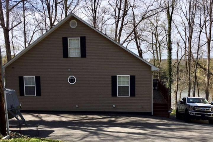 Pet Friendly Lakefront Home Near Mammoth Cave