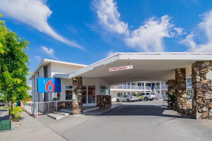 Pet Friendly Motel 6 San Bernardino