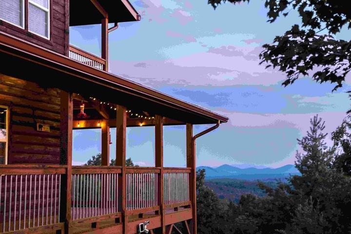 Pet Friendly Blue View Mountain