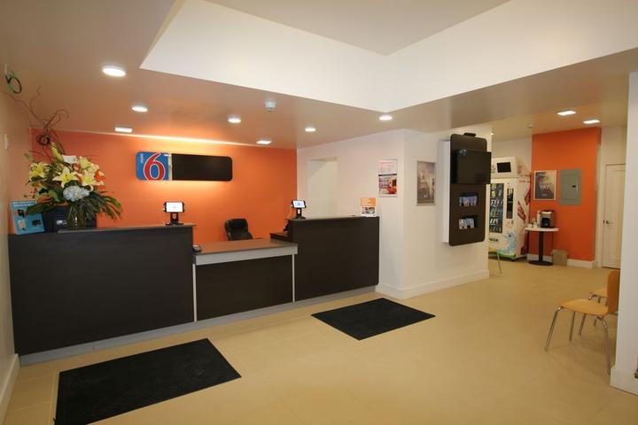 Pet Friendly Motel 6 Moncton