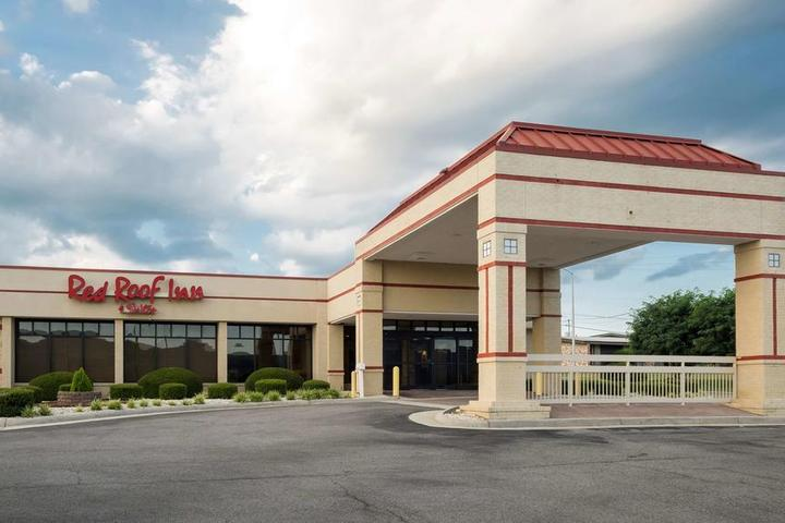 Pet Friendly Red Roof Inn and Suites Wytheville