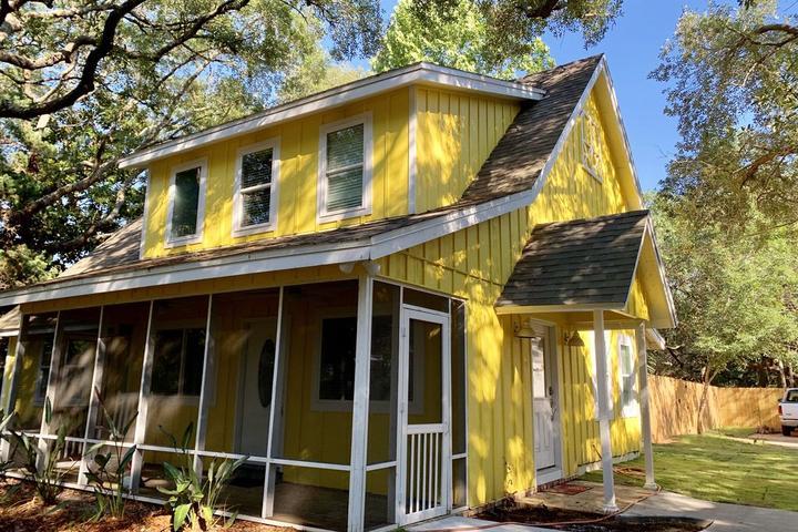 Pet Friendly The Gulf Coast Sunflower House