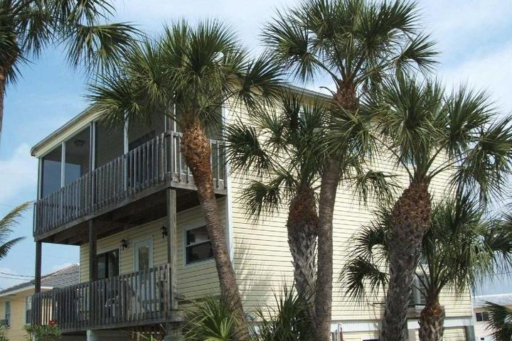Pet Friendly Vacation Rentals in Fort Myers Beach, FL