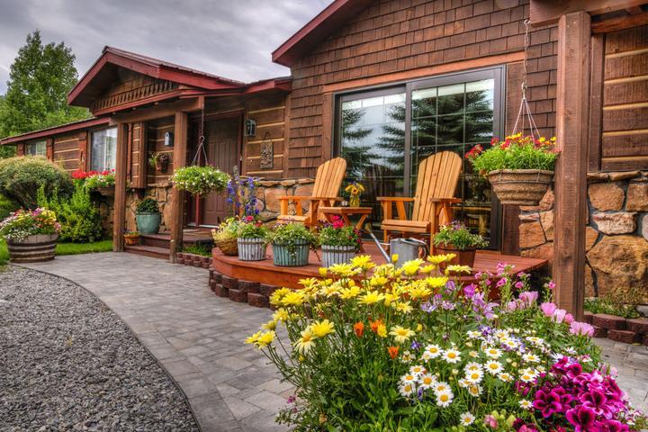 Pet Friendly Teton View Bed & Breakfast