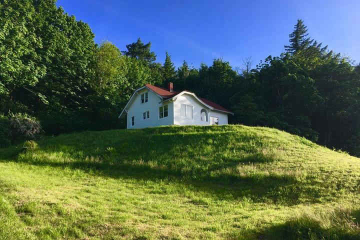 Pet Friendly Columbia River Gorge Retreat with a View