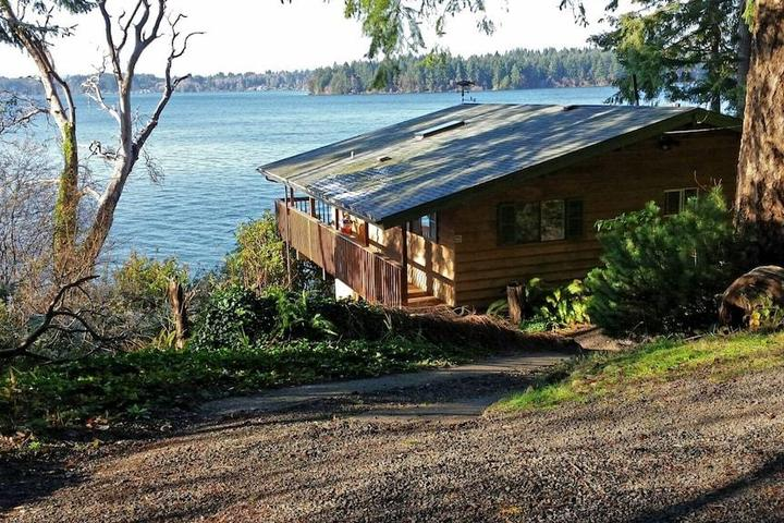 Pet Friendly Harstine Island Beach House