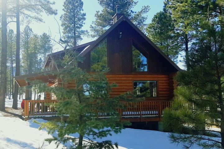 Pet Friendly Majestic Mountain Meadow Cabin
