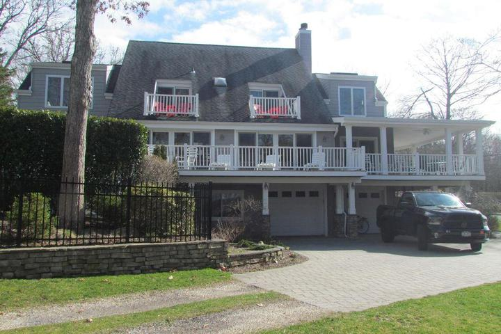 Pet Friendly North Fork Family Estate