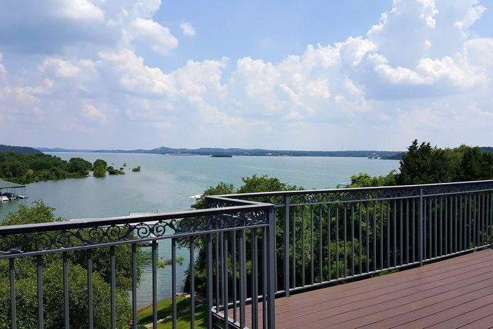 Pet Friendly Lake Front Home with Beautiful View on Lake Travis