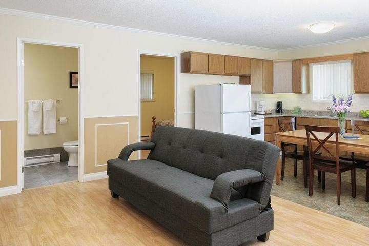 Pet Friendly Riverside Resort Motel and Campground