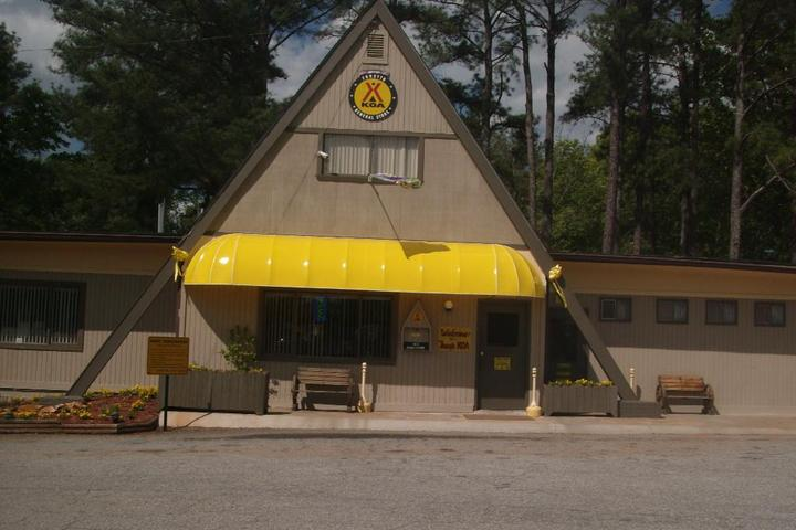 Pet Friendly Forsyth KOA