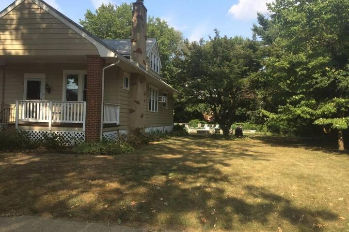 Pet Friendly Clifton Heights Airbnb Rentals
