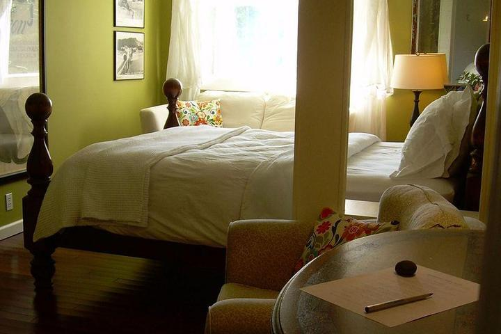 Pet Friendly Salmonberry Inn & Beach House