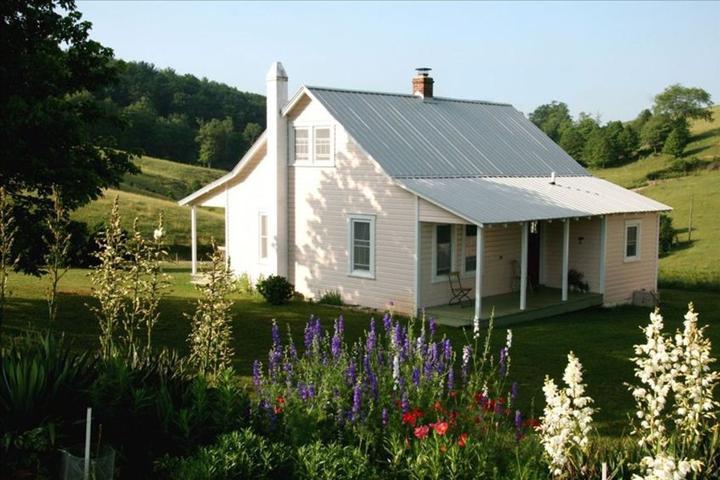 Pet Friendly Knoll Cottage