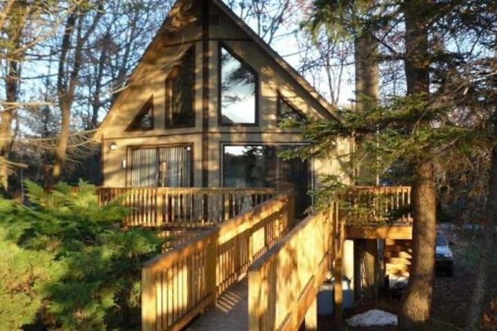 Pet Friendly Marshalls Creek Airbnb Rentals