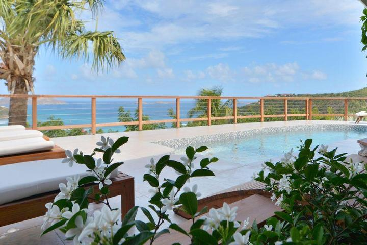 Pet Friendly Sunrise Luxury Villa
