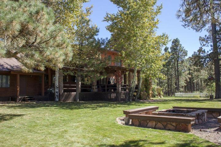 Pet Friendly Forest Lakes Rental