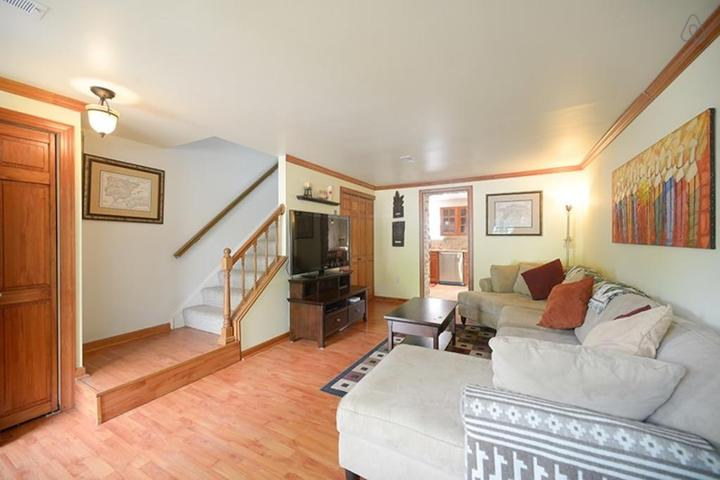 Pet Friendly Manassas Airbnb Rentals