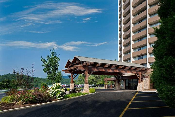 Pet Friendly The Park Vista A DoubleTree by Hilton Hotel