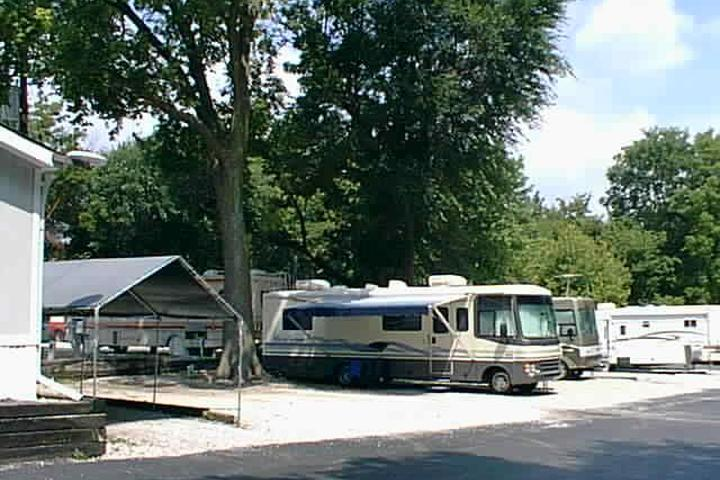 Pet Friendly Walnut Grove RV Park (Kansas City)