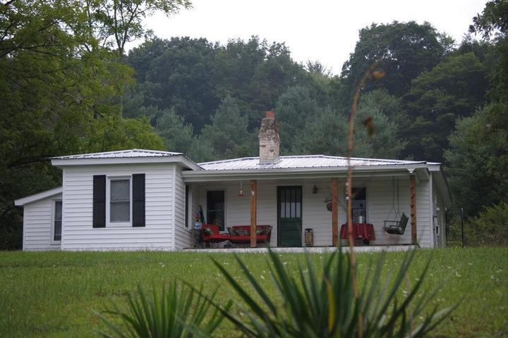 Pet Friendly Laurel Springs Airbnb Rentals