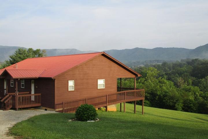 Pet Friendly Mountain Cabin Duplex