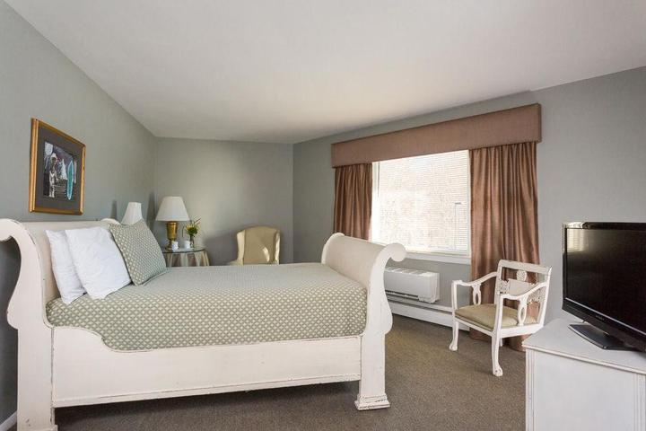 Pet Friendly The Rosewood Inn at Rye