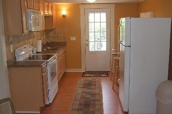 Phenomenal Pet Friendly Vacation Rentals In Rhode Island Bring Fido Home Interior And Landscaping Ferensignezvosmurscom