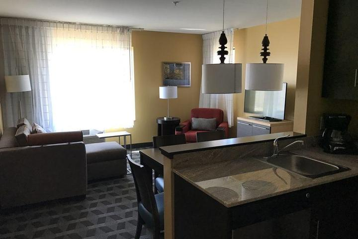 Pet Friendly TownePlace Suites by Marriott New Hartford