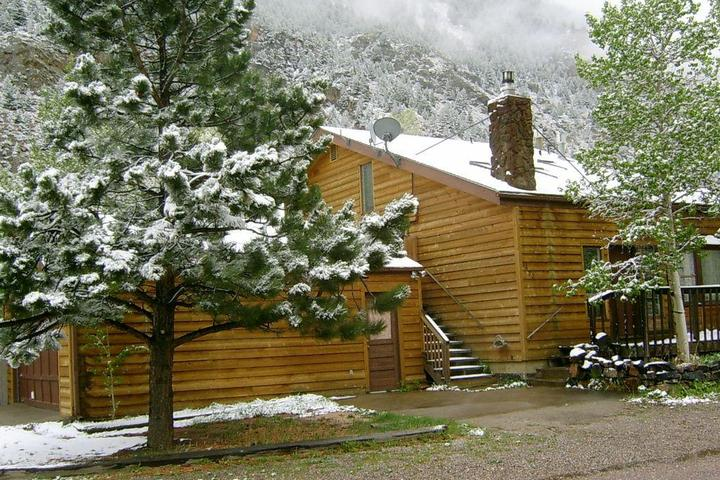 Pet Friendly Clear Creek Retreat
