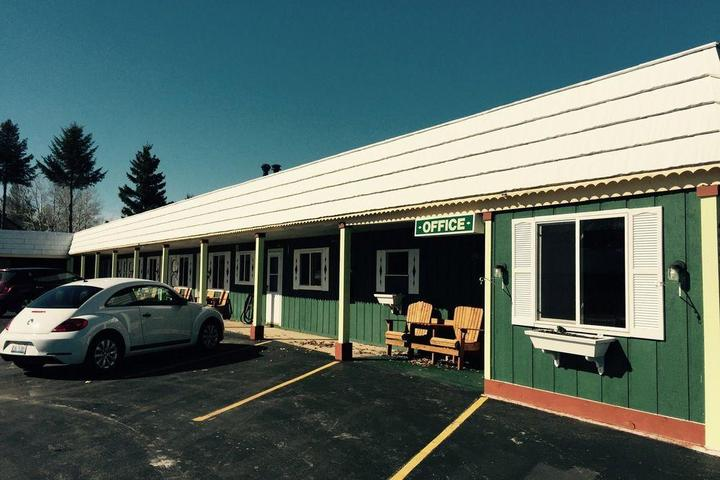 Pet Friendly Vindel Motel